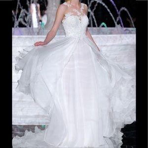 Pronovias wedding dress 💍👰🏻 gently used.